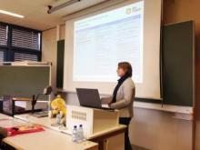 Verena bei ihrem Vortrag in Trier